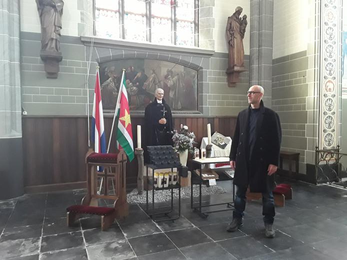Zeus Hoenderop in de kerk van het Goirke