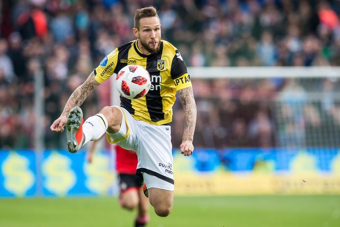 Tim Matavz  in zijn voorlopig laatste optreden voor Vitesse, het duel met Feyenoord. De Arnhemse club zoekt een nieuwe spits, nu de Sloveen langdurig is uitgeschakeld.