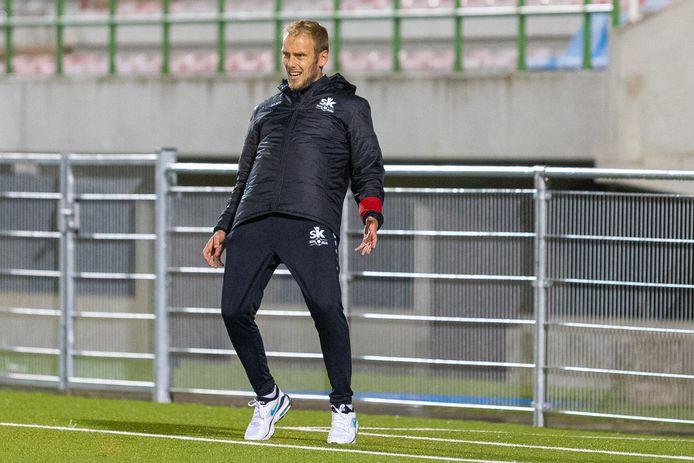 De Ronsische coach Sam Goethals leefde intens mee met zijn ploeg, maar moest vrede nemen met een puntendeling tegen Racing Gent.