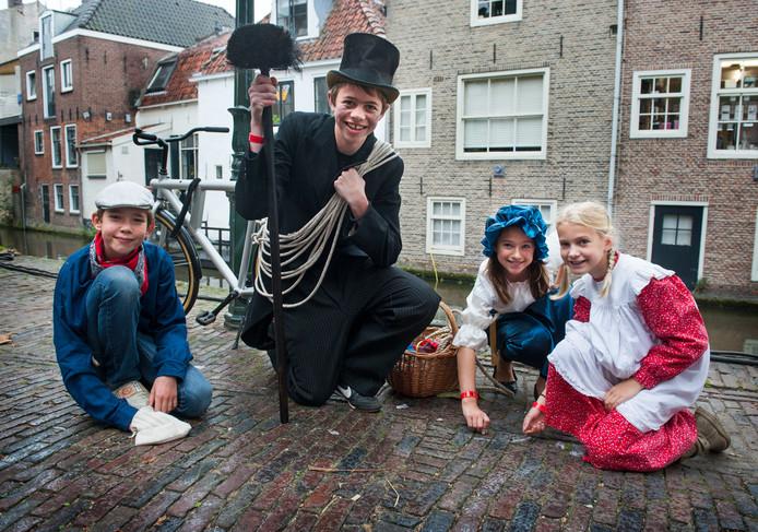 Foto ter illustratie, viering van 750 jaar Oudewater, verkleed tijdens de ambachtenmarkt