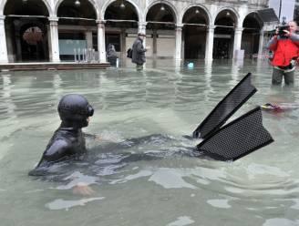 Helft van Venetië onder water
