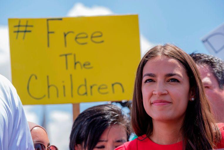 Alexandria Ocasio-Cortez voert momenteel fel oppositie tegen de detentiecentra voor immigranten aan de grens met Mexico.