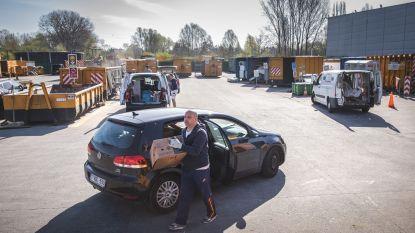 Ook recyclagepark Gentbrugge gaat weer open en voortaan mogen tot 12 wagens tegelijk binnen