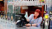 """Boris Johnson vraagt Britten zich """"verstandig"""" te gedragen nu pubs weer opengaan"""