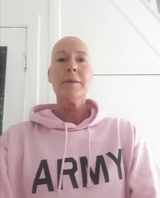 Van haar zoon Thim kreeg Annemarie een sweatshirt met de tekst Army omdat ze zij zichzelf vergeleek met G.I.Jane