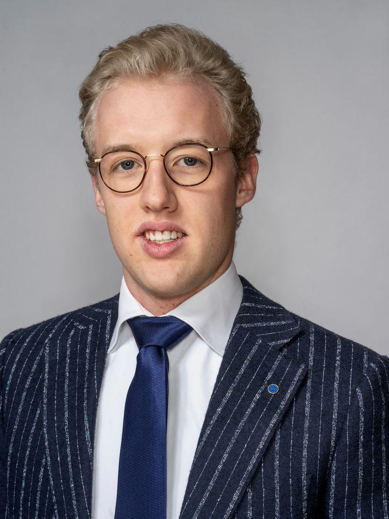 Jef van Hoolst (21, België): 'Ik hoop straks een eigen bedrijf te beginnen. Ik handel nu al als hobby in Z3-modellen van BMW. Ik hou ervan om mensen blij te maken.' Beeld Adrie Mouthaan
