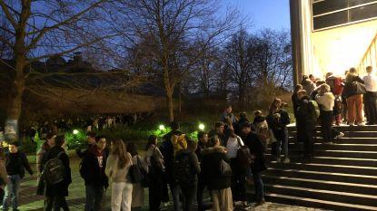 """Samen studeren? Daar schuiven jongeren graag al voor zonsopgang voor aan: """"Meer structuur en meer sociale controle"""""""