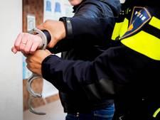 Politie houdt verwarde man aan na achtervolging