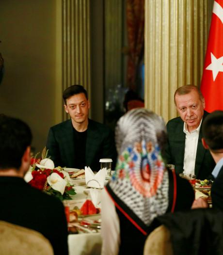 Özil opnieuw op de foto met Turkse president Erdogan