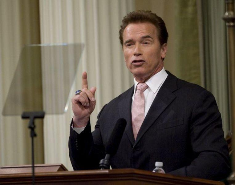 Geen wonder dat Schwarzenegger behoort tot de warmste voorstanders van het stimuleringsplan van de Democraat Barack Obama. Daarin is 135 miljard dollar uitgetrokken voor hulp aan afzonderlijke staten, te besteden aan infrastructuur, onderwijs en gezondheidszorg. Foto ANP/John G. Mabanglo Beeld