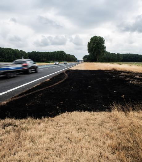 Rijkswaterstaat: 'Gooi geen peuken uit de auto'