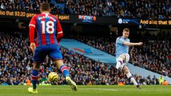 LIVE. De Bruyne treft de lat na een heerlijke vrijschop, Man City op zoek naar 1-0
