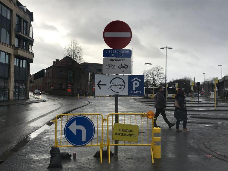 Nu wordt duidelijk waarom niemand meer het Stationsplein opmocht.