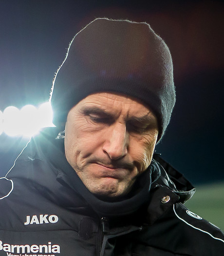 Bizarre schwalbe kost Leverkusen-trainer Herrlich 12.000 euro