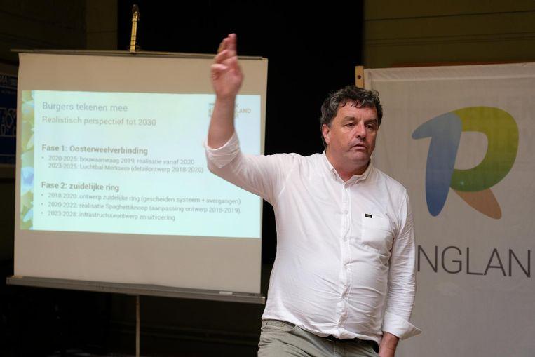 Peter Vermeulen van Ringland tijdens zijn uiteenzetting.
