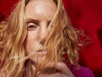 Van rode lokken tot 'mirror hair': BV-kapper Jochen Vanhoudt legt uit hoe je de haartrends voor deze herfst zelf creëert