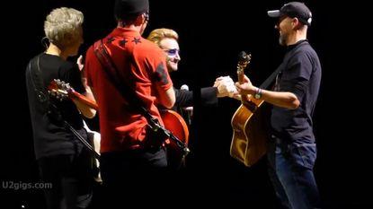 Vlaming voor even gitarist van U2