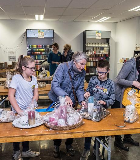 Geld verdienen in Glazen Winkeltje om ouders en kinderen te herenigen