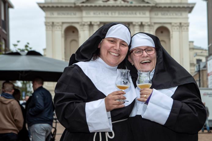 Oudenbosch - 22/09/18 - de zusters van het Nonnengenot (lokale bierbrouwer)