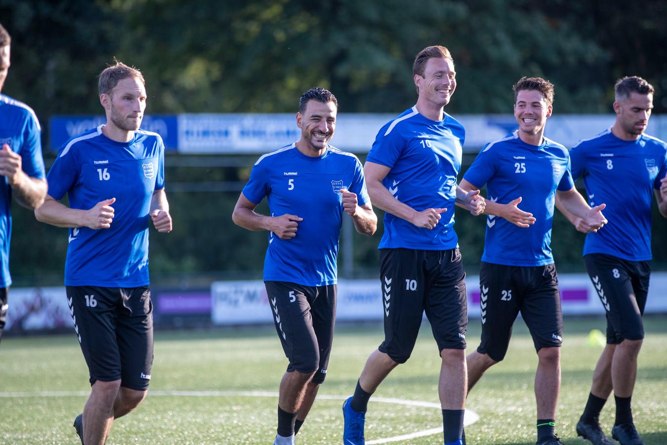 De spelers van GVVV  zijn begonnen met de voorbereiding op het nieuwe seizoen