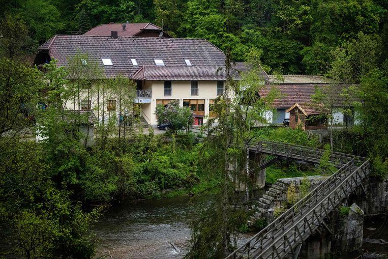 Het hotel aan de Ilz waar de lichamen van drie slachtoffers werden gevonden.  Beeld AFP