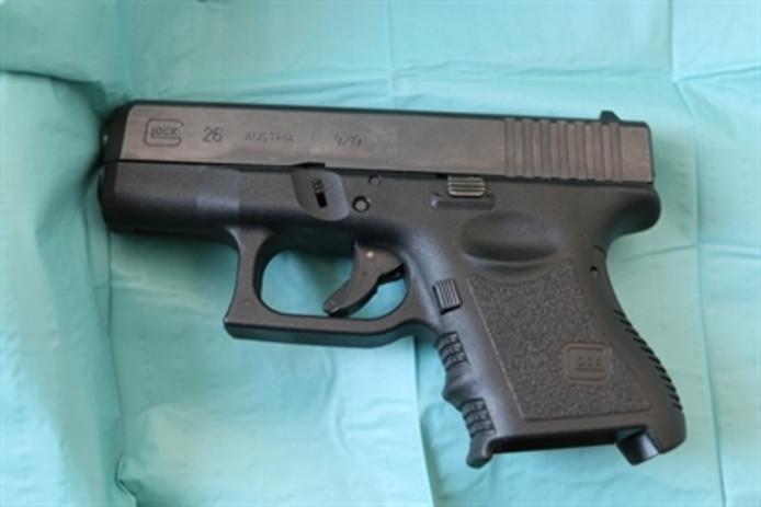 Bij de Bosschenaar thuis werd ook een vuurwapen aangetroffen.