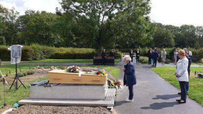 Begrafenis zonder dierbaren voor onbekende vrouw die doodgeschoten en gedumpt werd in Westdorpe