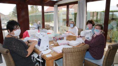 Mondmaskers met Piet Piraat erop: Deze dames maken zelf maskers