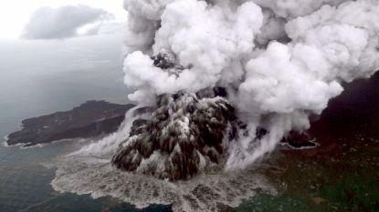Indonesië verhoogt alarmpeil voor vulkaan Anak Krakatau: vliegtuigen wijken uit vanwege  vulkaanas