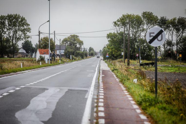 De weg tussen De Panne en Veurne wordt heraangelegd.