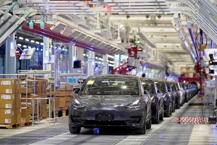 De productielijn van de Tesla Model 3 in de Chinese stad Shanghai