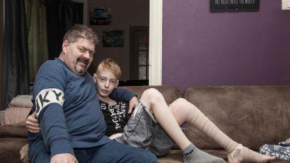 """Buren willen Jordy (14) rolstoel schenken met inzamelactie: """"Knieblessure bleek botkanker te zijn"""""""