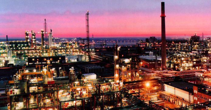BASF-vestiging in het Antwerpse havengebied, net over de Belgisch-Nederlands grens.
