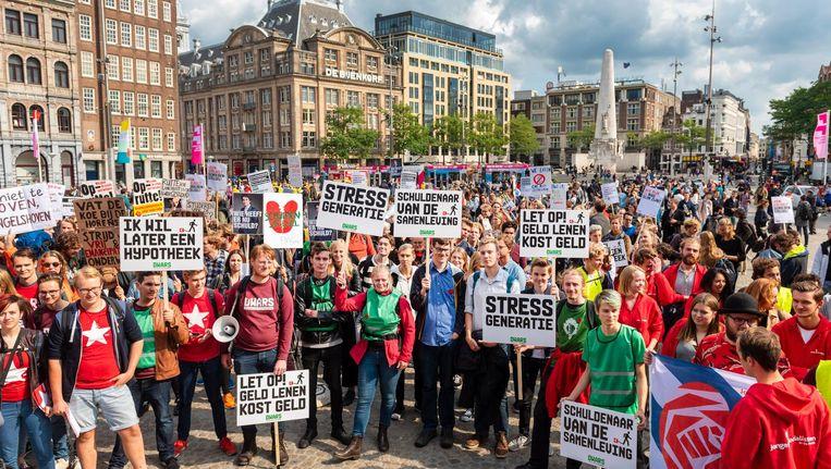 Studenten protesteerden in september op de Dam tegen meer rente op studieleningen. Beeld anp