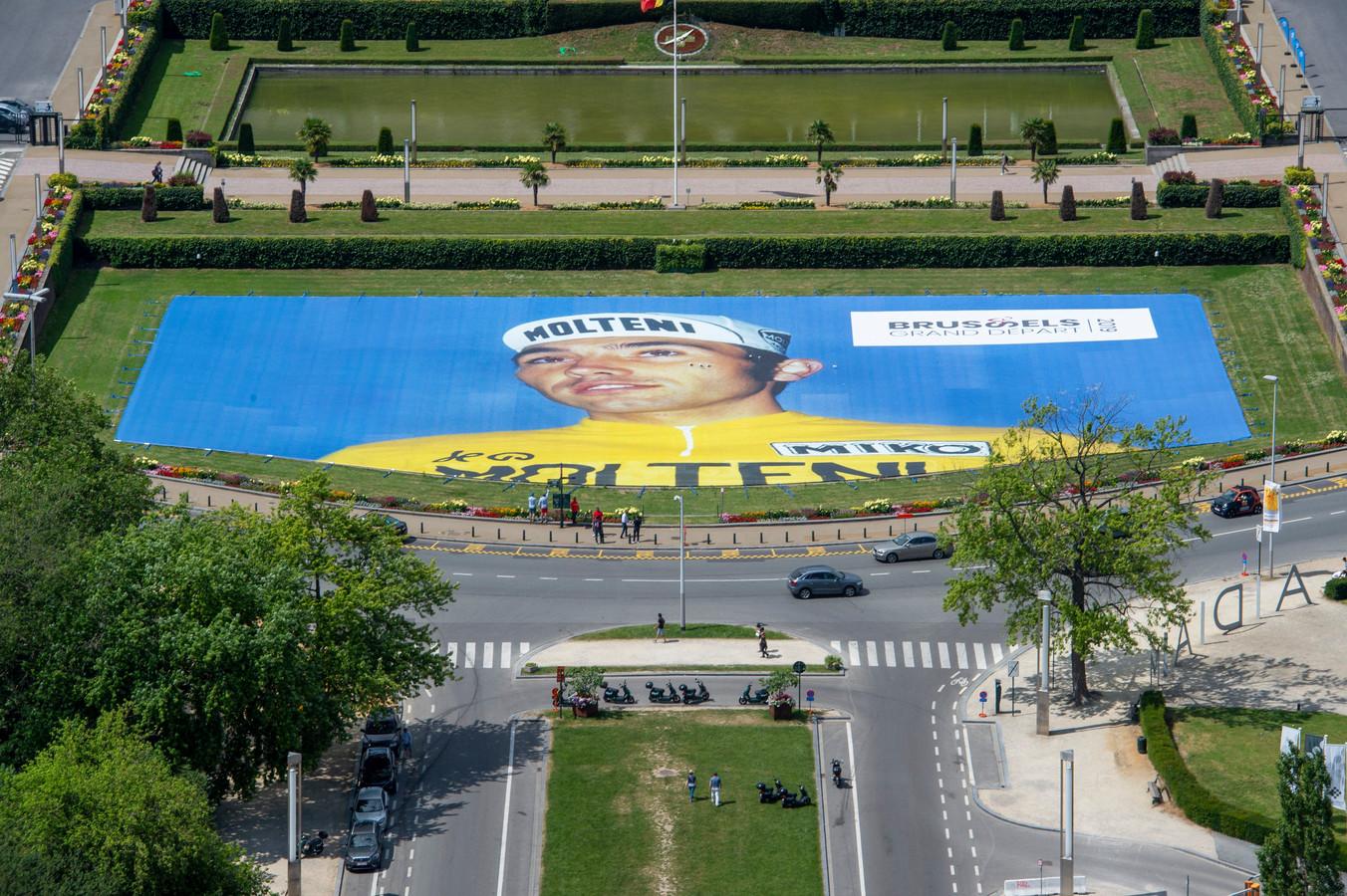 Une immense image d'Eddy Merckx a été installée.