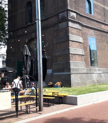 Geen horeca café Herman op gras bij Bossche watertoren