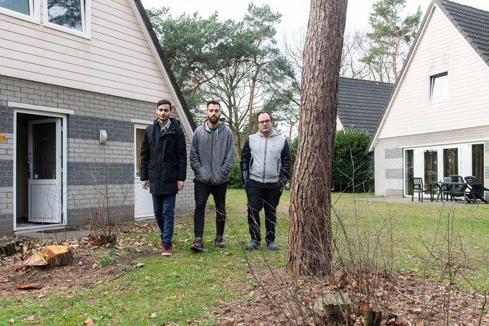 Oosterhout - Pix4Profs/René Schotanus. Vlnr David, Julian en Rosario zijn 3 van de 8 arbeidsmigranten die wonen in een klein huisje op de Katjeskelder in Oosterhout.