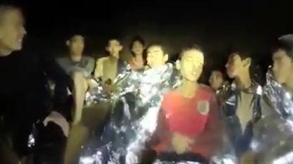 Thaise duiker overleden tijdens plaatsen van zuurstoftanks in grot waar voetballertjes en coach vastzitten