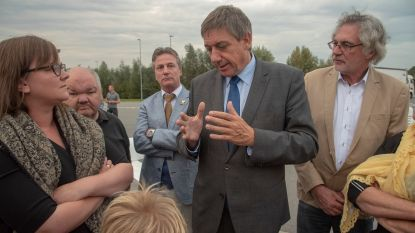 Minister Jan Jambon (N-VA) wil bevoegdheid sluiting snelwegparkings weghalen bij burgemeesters