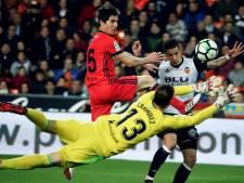 Santi Mina helpt Valencia met twee goals aan zege op Real Sociedad