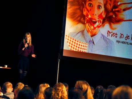 YouTuber Marit Brugman geeft lezing aan scholieren: 'Al die tijd was anorexia mijn beste vriend'