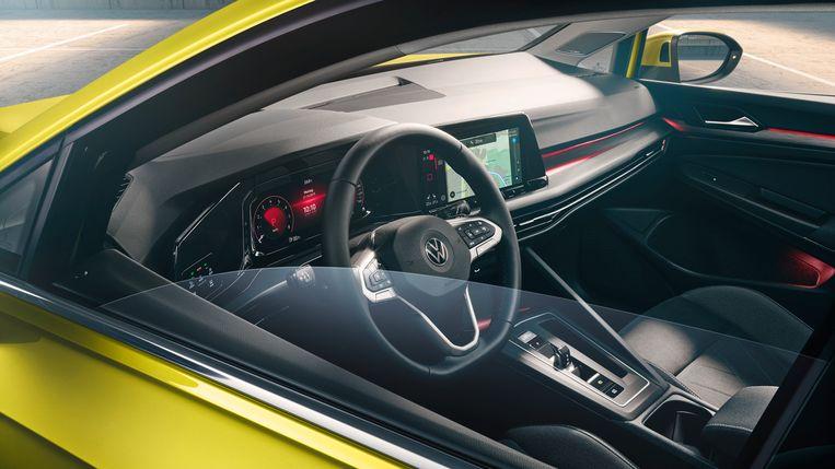 Het interieur van de VW Golf 8 Beeld