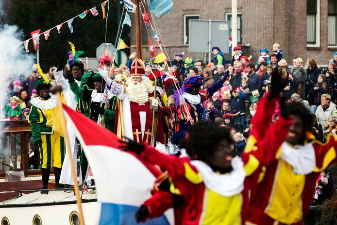 Het Consulaat van Sinterklaas in Woerden zegt ernstig te twijfelen of ze de verantwoordelijkheid willen nemen voor een groot evenement waar zoveel mensen op afkomen.