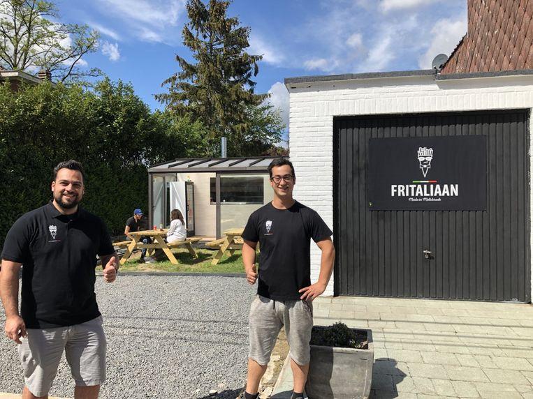 Renato (links) en Angelo openden eind april hun frituur Fritaliaan in Melsbroek, maar moesten hun zaak nu al sluiten na een klacht van een buur.
