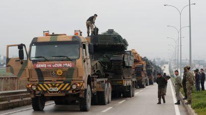 Turkije versterkt troepenmacht aan de Syrische grens