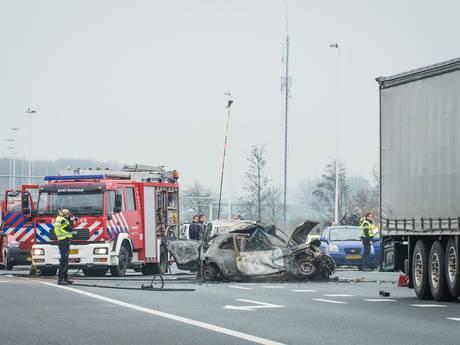 Dodelijk slachtoffer na ongeval op A27, opruimen ravage begonnen