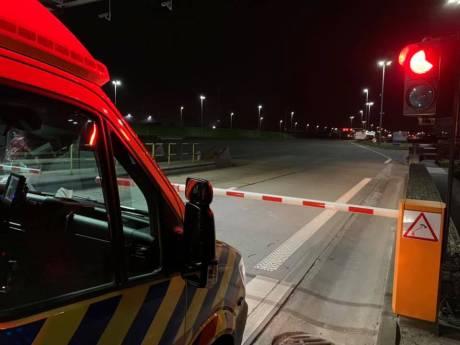 Ambulance met coronapatiënt onderweg naar Terneuzen geweigerd bij Liefkenshoektunnel: 'U moet gewoon tol betalen'