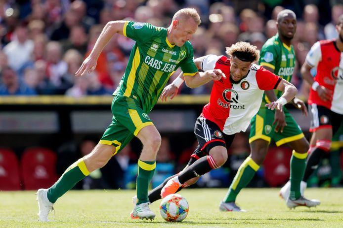 Tom Beugelsdijk in actie tegen Feyenoord.