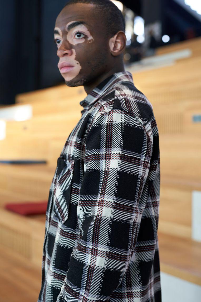 Terence Munzemba: 'De kleuren die ik draag passen meestal goed bij elkaar.' Beeld Jordi Huisman