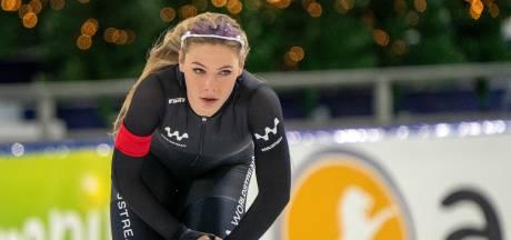 Leerdam op haar gemak in schaatsbubbel: 'Even niet wassen, koken en opruimen'